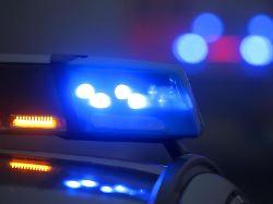 Polizei sucht nach Fahrer: Kind angefahren und liegen gelassen