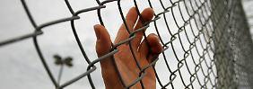 Die letzte Station vor der Abschiebung: Ein Gefängnis in Arizona, wo eines der härtesten Einwanderungsgesetze der USA für Aufsehen sorgt.