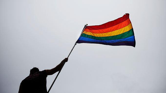 Die schwul-lesbische Gemeinde ist gerade nicht gut auf Obama zu sprechen.