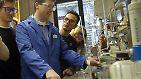 """Das H2O-Molekül kann auch heute noch im Labor mit der sogenannten """"Knallgasreaktion"""" hergestellt werden."""