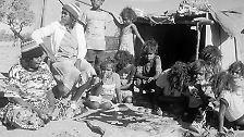 Sie lebten in Familienverbänden von 20 bis 50 Mitgliedern und bildeten in dieser Vielzahl von Einzelverbänden über 250 verschiedene Sprachen aus.