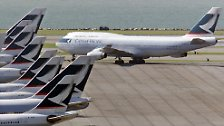 95 Fluggesellschaften weltweit fliegen mit dem viele Jahre größten Flugzeug der Welt. Bis Mitte 2008 wurden rund 1400 Maschinen des Typs ausgeliefert.