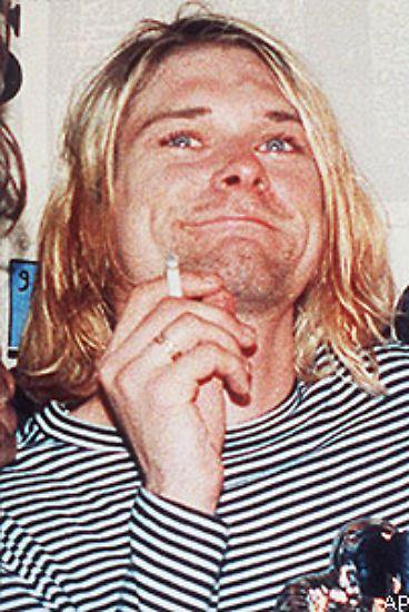 Kurt Donald Cobain war das größte Jugendidol der frühen 1990er Jahre. Er galt als unnahbar und wurde von Millionen vergöttert. Im Alter von 27 Jahren schoss er sich mit einer Schrotflinte in den Kopf. Sein Leben war beendet, der Mythos um ihn wächst bis heute.