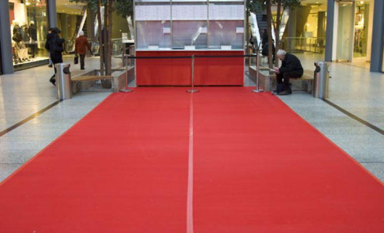 Berlinale 2007 Ein roter Teppich in Berlin  ntvde
