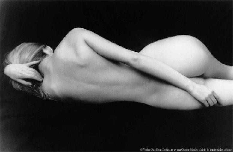 Sexy Akt Modelle nackte junge Maedchen ab 18 xxx