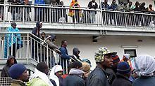 ... wo sich die Migranten zum Protest versammelt haben.