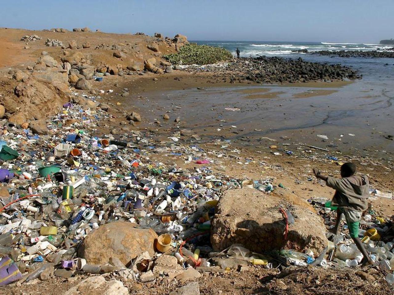 Tickende Zeitbombe Immer mehr Plastik im Meer n tv de