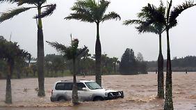 Die Überschwemmungen sind Folgen des Tropensturms Oswald.