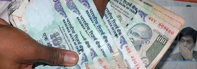 Der Reservesatz fällt: Die indische Notenbank setzt zusätzliche Milliarden an Rupien frei.