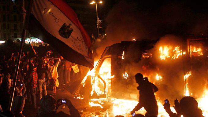 Trotz der Ausgangssperre gehen die Proteste weiter.