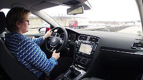 Zu Hause bei Volkswagen: Das aufgeräumte Cockpit wird nicht durch einen zusätzlichen Allradschalter gestört.