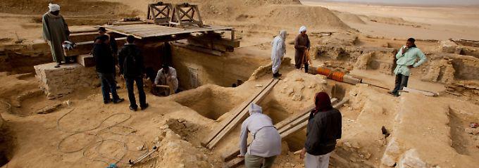 Irgendwann zwischen 2318 und 2168 v. Chr. waren die Gräber für einen hochrangigen Würdenträger und dessen Sohn angelegt worden.