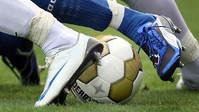 700 Partien unter Verdacht: Wettskandal erschüttert Fußballwelt
