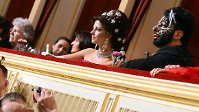 Wiener Opernball: Glööckler stiehlt Lugner die Show