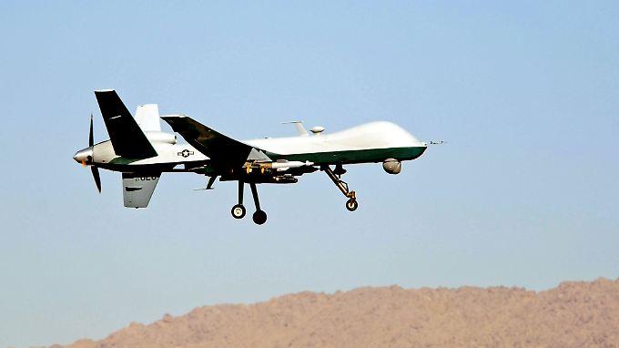 Eine mit Hellfire-Raketen bewaffnete US-amerikanische MQ-9-Reaper-Drohne in Afghanistan.