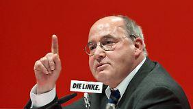 Seit Jahren sieht sich Gysi Vorwürfen ausgesetzt, er habe als Anwalt in der DDR mit der Stasi gemeinsame Sache gemacht.