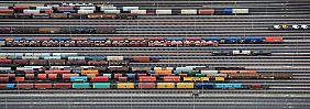 """Gedränge im Rangierbahnhof Maschen südlich des Hamburger Hafens: Die Beurteilung der Geschäftslage hat sich laut DIHK """"auf einem immer noch hohen Niveau"""" stabilisiert."""