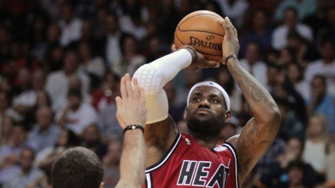 LeBron James hat die Portland Trailblazers beinahe im Alleingang besiegt.