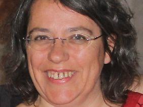 """Xanthe Hall ist Abrüstungsreferentin der Organisation IPPNW Deutschland und Sprecherin der Kampagne """"atomwaffenfrei.jetzt""""."""