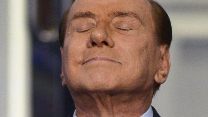 Fühlt sich wieder obenauf: Italiens Ex-Ministerpräsident Berlusconi (Archivbild)
