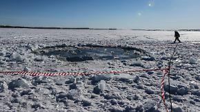 Loch im See stammt nicht von Meteorit: Wissenschaftler finden Splitter