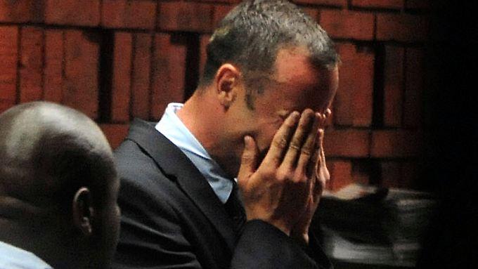 Oscar Pristorius brach bei der ersten Anhörung vor dem Haftrichter in Tränen aus.