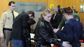 Polizistenmord von Augsburg: Tatverdächtige schweigen
