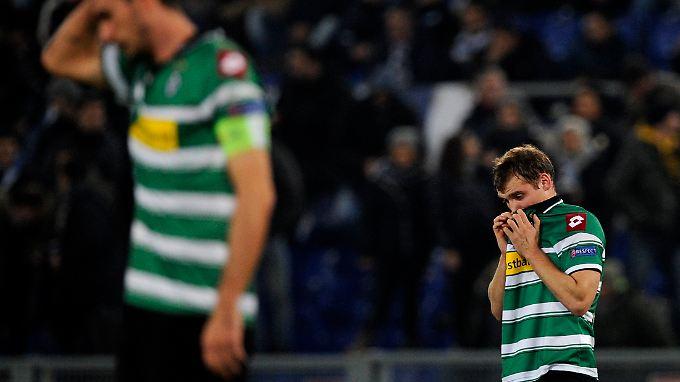 Tristesse in Rom: Mönchengladbachs Tony Jantschke mag es nicht mitansehen.