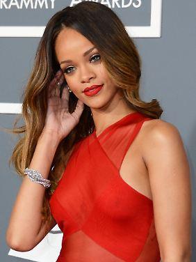 Freiwillig durchsichtig bei den Grammys: Rihanna.
