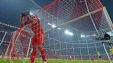Die ersten Chancen gehörten aber dennoch den Gastgebern, die vor allem Revanche für das blamable 2:5 im Pokalfinale 2012 nehmen wollten.