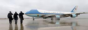 """Sparbombe im Gepäck: An Bord von """"Air Force One"""" reist US-Präsident quer durch die Staaten, um für eine Einigung im Haushaltsstreit zu werben."""
