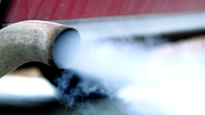 Autos verbreiten feinste Schadstoffe in der Luft.