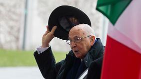 """Italiens Staatspräsident Napolitano sagt zu Steinbrück: """"Man muss wirklich sehr ausgewogen sein in der eigenen Wortwahl."""""""