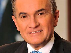 Von Haller wird zur Deutschen Bank zurückbeordert.
