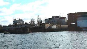 Nur noch Reste: So sieht die Brommybrücke heute aus - beziehungsweise das, was von ihr übrig ist.