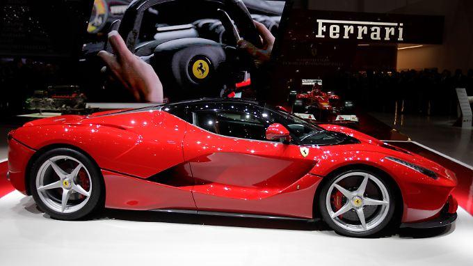 Ferrari stellt in Genf sein neues Topmodell mit dem Namen La Ferrari vor.