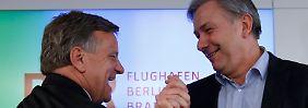 """""""Ich will die Mannschaft revitalisieren"""": Hartmut Mehdorn (l.) und Klaus Wowereit."""