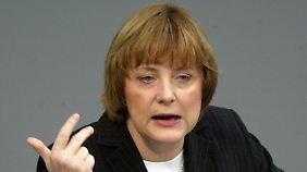 14. März 2003: Merkel antwortet auf Schröders Regierungserklärung.