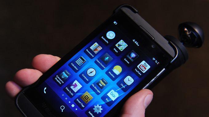 Blackberry setzt auf sein Betriebssystem und zunächst auf das Modell Z10.