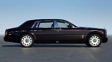Der rund sechs Meter lange Stolz britischer Autobaukunst mit seinem 560 PS starken V-12 von BMW ist nach dem Dahinscheiden des eben schon erwähnten Maybach ...