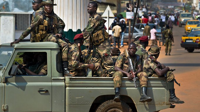 Die Rebellen werfen der Regierung die Nichteinhaltung eines Friedensabkommens vor.