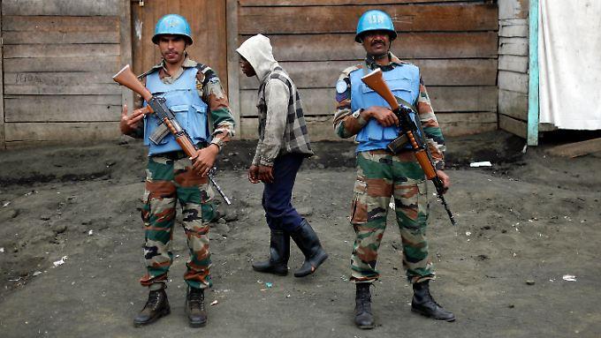 Zwei Soldaten der Monusco genannten Mission im Kongo.