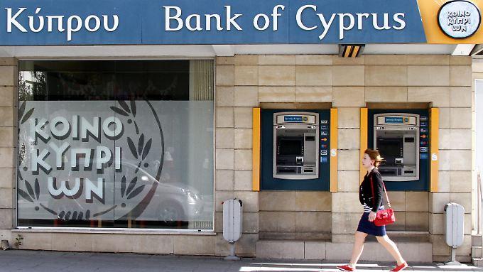 Bankkunden dürfen derzeit in Zypern pro Tag nicht mehr als 300 Euro abheben.
