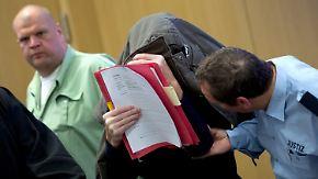 Messerattacke in Jobcenter Neuss: Täter muss für Mord lebenslang in Haft