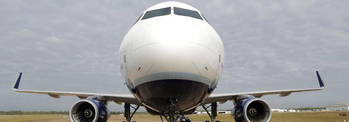 """Eine einsame A320 auf dem Vorfeld des """"Brookely Aeroplex"""" in Mobile im US-Bundesstaat Alabama: In unmittelbarer Nähe soll das neue Airbus-Werk entstehen."""