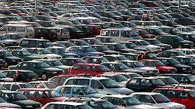 Wer auf öffentlichen Parkplätzen Kaufangebote macht, braucht eine Genehmigung.