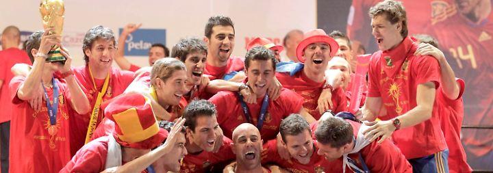 Weltmeister im Siegestaumel: Ausgelassener Empfang für Spanien