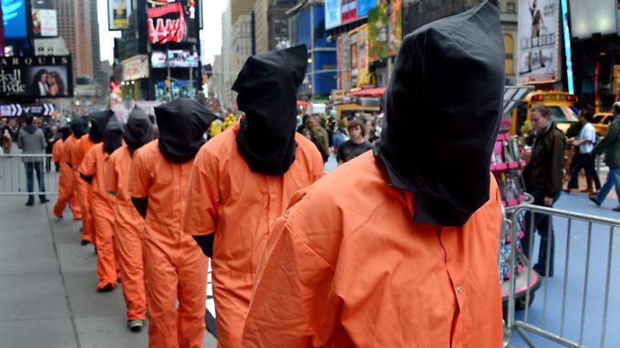 In mehreren Städten wiesen Demonstranten auf die Situation der Guantanamo-Häftlinge hin.