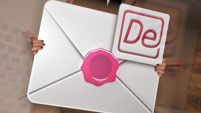 Mit dem De-Mail-Verschlüsselungsverfahren sollen Bürger über das Internet sicher Dokumente an Behörden schicken können.