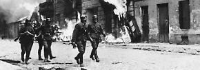Die Kämpfe sind erbittert, erst nach einer Woche gewinnen die Nazis Boden, indem sie mit Flammenwerfern Haus um Haus niederbrennen.